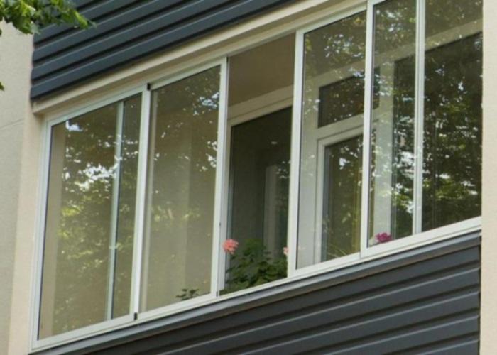 Выбрать 4-створчатые раздвижные балконные алюминиевые рамы с.